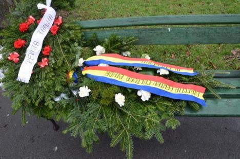 Peste 150 de orădeni l-au omagiat pe Eminescu (FOTO)