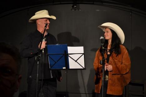"""Un """"cowboy"""" romantic: Controlorul de trafic Marian Filip a lansat un album cu piese country, """"Lampa lui Aladin"""" (FOTO)"""