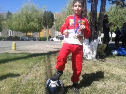 Orădeanul Antonio Cohuţ a câştigat proba mini de la concursul international de carting de la Chişineu Criş
