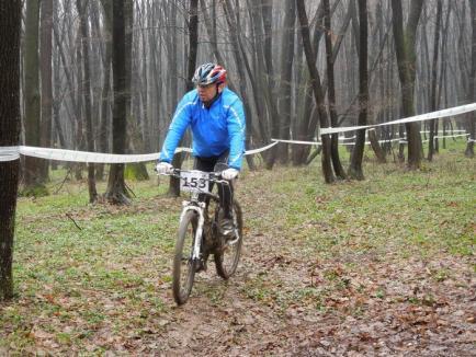 Sportivi din toată ţara se întrec la primul campionat de ciclism montan din Oradea (FOTO)