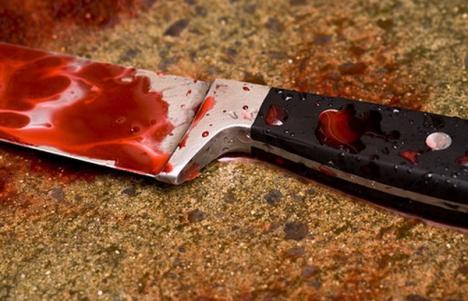 O tânără de 27 ani din Diosig, reţinută după ce şi-a înjunghiat un consătean
