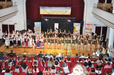 """600 de copii au concurat la concursul naţional """"Floare de Lotus"""""""