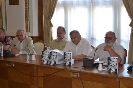 """Poetul şi avocatul Paşcu Balaci a lansat un volum de sonete despre viaţa minerilor în anii """"stăpânirii"""" sovietice de la Băiţa (FOTO)"""