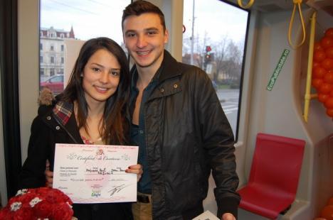 Zeci de orădeni s-au căsătorit pentru o zi în Tramvaiul Dragostei (FOTO)