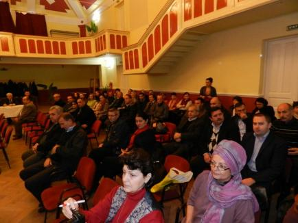 Şefii deconcentratelor au dat seama în faţa primarilor şi cetăţenilor a 12 localităţi din zona Salonta (FOTO)