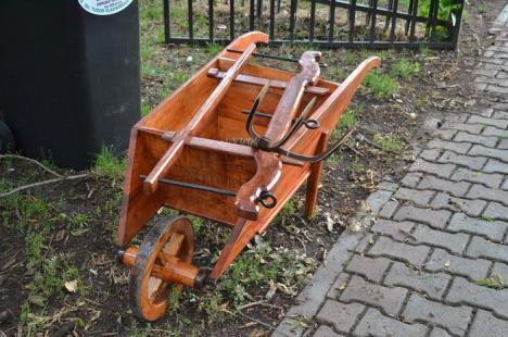 A început Târgul Meşterilor Populari: Obiecte tradiţionale din toată ţara, de vânzare în Parcul Bălcescu (FOTO)