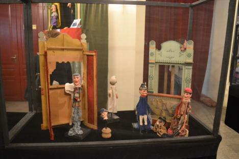 Expoziţie inedită la Teatrul Arcadia: Orădenii pot vedea 62 de păpuşi şi marionete de colecţie din 10 ţări (FOTO)