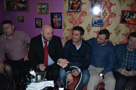 Apariţie de senzaţie în Oradea: Adrian Mutu a ieşit să petreacă în Famous Place (FOTO / VIDEO)