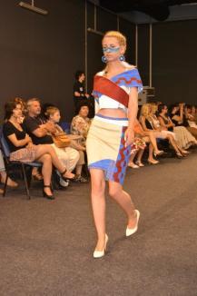 Noii designeri: Colecţii de inspiraţie gotică, indiană şi bistriţeană la Gala Diplomelor (FOTO)