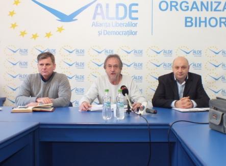 Şefii ALDE promit să recruteze numai oameni curaţi, iar candidaţii lor pentru Oradea şi Beiuş vor să aducă 'ordine şi bani' în primării