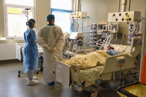 Covid în Bihor: a doua zi cu mai mult de 20 noi infectări. Încă o persoană diagnosticată a murit