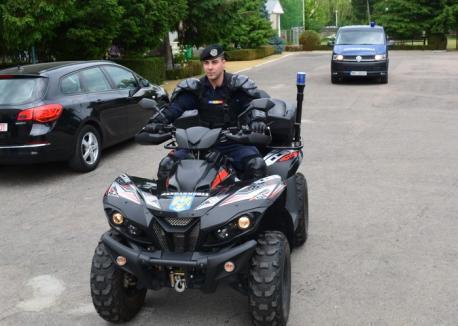 Jandarmii din Padiş, dotaţi cu ATV (FOTO)