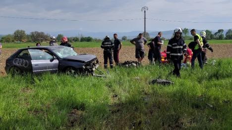 Accident grav pe DN1, la Auşeu: Şoferul unui Audi a intrat cu maşina într-un copac și a murit (FOTO)