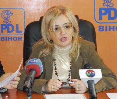 Adelina Coste candidează la preşedinţia femeilor din PDL
