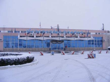 Concluzie-ghilotină: Aeroportul Oradea nu are viitor decât gestionat de o firmă privată