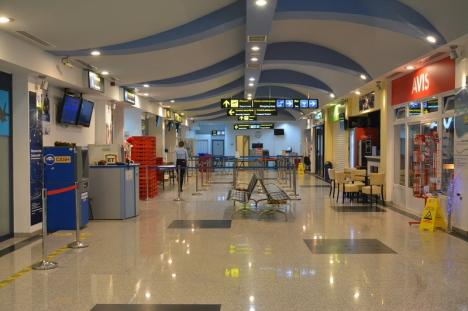 Bolojan se repetă: Consiliul Judeţean să coopereze cu Primăria pentru dezvoltarea Aeroportului! TAROM a dublat prețurile pe ruta București - Oradea