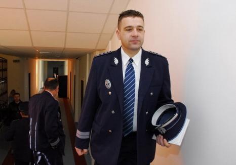 Comisarul şef Alexandru Roxin a fost condamnat cu amânare şi ar putea reveni la şefia Poliţiei Salonta