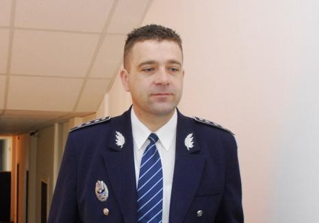 Fostul şef al Poliţiei Salonta, comisarul şef Alexandru Roxin, dezbrăcat de uniformă: Înalta Curte l-a condamnat definitiv la închisoare cu suspendare