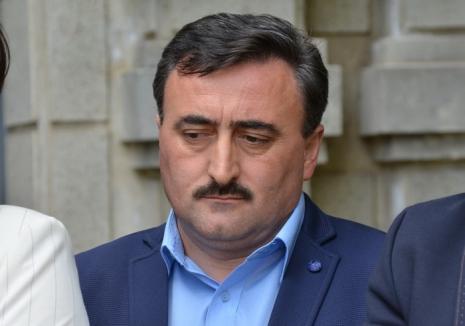 Scandalul din Consiliul Judeţean, din nou la Tribunal: Adrian Szatmari cere instanţei să-i oblige pe consilierii PNL să-l valideze