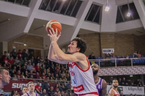 Baschet: Cătălin Baciu s-a înţeles cu CSM Oradea şi va continua la 'leii roşii' în sezonul următor