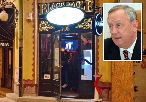 Cornel Popa acuză: Liberalii, bruscați de mascați în clubul Black Eagle din Oradea