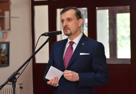 'Sindromul Cain'. Conferinţă susţinută la Oradea de ambasadorul României în Italia. În program, şi o 'intervenţie' a primarului Florin Birta