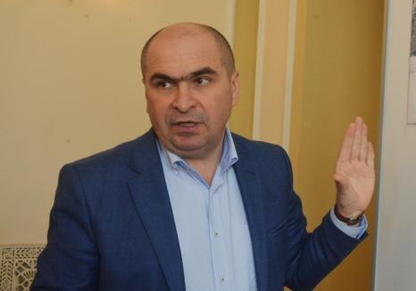 Începând din iulie, salariul lui Ilie Bolojan urcă la 9.135 lei net. Vezi noile salarii din Primăria Oradea!