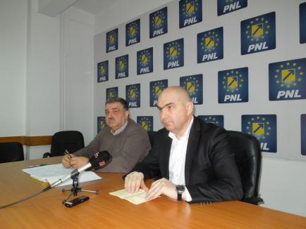 """Bolojan şi Avrigeanu: PNL nu va coopera cu şefii CJ Bihor până nu alocă """"decent"""" banii, nu-şi publică pe site cheltuielile şi nu opresc """"drenajele"""" financiare"""