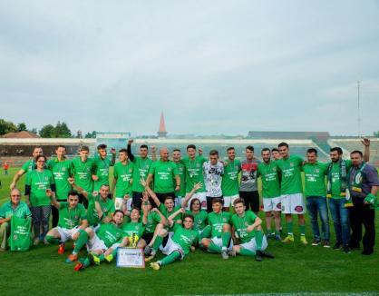 Promovați după primul an: Componenții echipei CAO Oradea au fost premiați de AJF Bihor (FOTO)