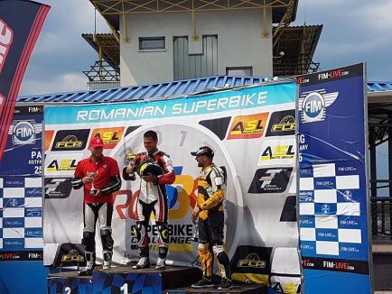 Trei clasări pe podium pentru piloţii de la Carcover Racing Team Oradea la etapa a II-a a  Campionatul RO SBK