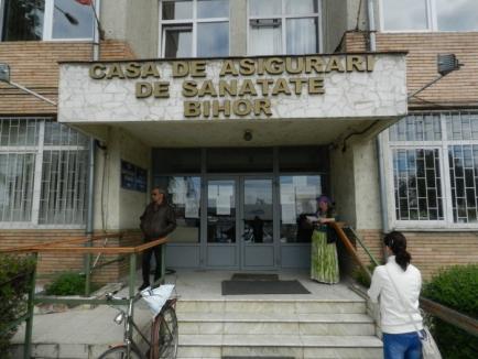 """Protestul medicilor de familie din Bihor s-a """"fâsâit"""": mai mult de două treimi au semnat prelungirea contractelor cu CAS, pe aceiaşi bani ca anul trecut"""
