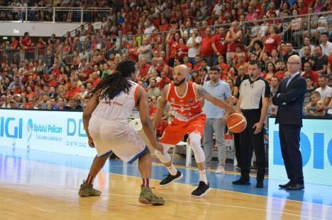 Steliştii au egalat: Baschetbaliştii de la CSM CSU Oradea au pierdut meciul al doilea al finalei (FOTO)