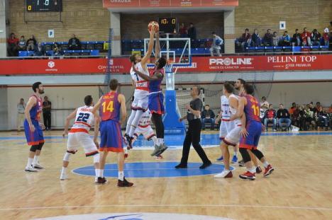 Victorie acasă: CSM CSU Oradea a câștigat derby-ul cu Steaua (FOTO)