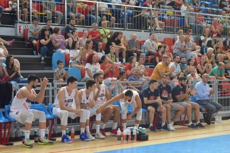 CSM CSU Oradea a învins formația maghiară Szedeak Szeged, cu 71-56, în primul amical de pe teren propriu (FOTO)