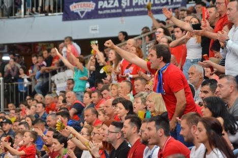 Susţinuţi de la distanţă: Watch Party, luni şi miercuri, la Arena Antonio Alexe, pentru suporterii echipei de baschet CSM CSU Oradea
