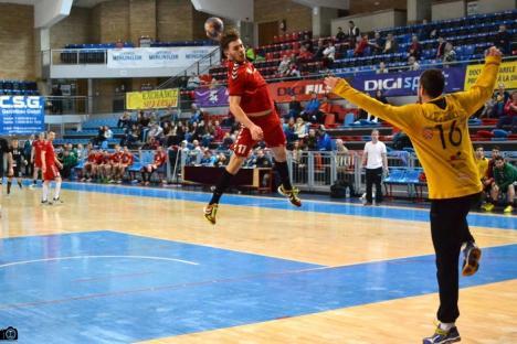 Handbaliştii de la CSM Oradea au câştigat cu 34-29 jocul cu HC Sibiu (FOTO)