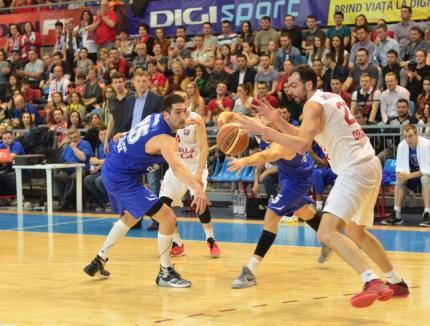 După meciul pierdut în faţa baschetbaliştilor orădeni, SCM U Craiova a rămas fără antrenor