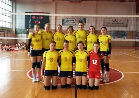 Voleibalistele de la CSU Oradea s-au impus cu scorul de 3-2 la Satu Mare, în primul meci din play-off