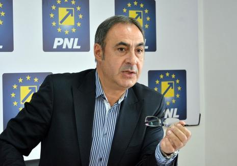 """Liberalul Călin Gal: Şefii Consiliului Judeţean comit ilegalităţi şi apoi le acoperă cu alte ilegalităţi, iar PSD a devenit """"o anexă a UDMR"""""""