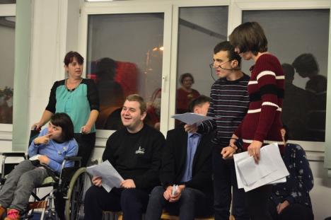 Surpriză înainte de Crăciun: Călin Pop şi fetiţa lui, Ambra, în concert la SOS Autism (FOTO)