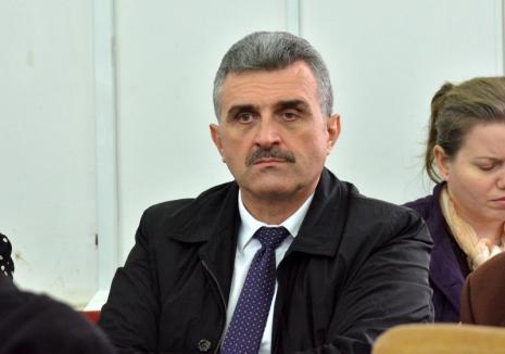 Inculpat la secret: Șeful DGASPC Bihor, Călin Puia, a fost trimis în judecată pentru abuz în serviciu, dar n-a zis nimănui și va fi suspendat! (VIDEO)