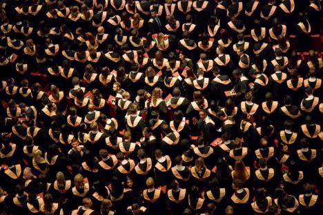 Rectori pe vecie! Senatul elimină limitarea numărului de mandate pentru şefii universităţilor