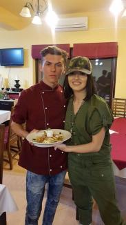 Tânărul din Vadu Crişului care a făcut senzaţie la 'Chefi la cuţite' le-a dat pe spate pe Lidia Buble şi Alina Eremia (FOTO)