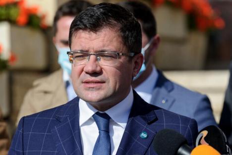 Fostul ministru Costel Alexe, urmărit penal de DNA pentru şpaga de 22 de tone de tablă