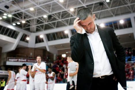 """""""Auto-izolat"""" acasă, la Râmnicu Vâlcea, antrenorul baschetbaliștilor orădeni, Cristian Achim, crede că actualul sezon va fi anulat"""