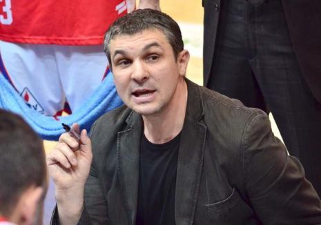 În auto-izolare la domiciliu, antrenorul Cristian Achim oferă lecţii online tehnicienilor de baschet din România (VIDEO)