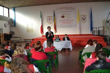 Judecătorul CSM Cristi Danileţ le-a ţinut o lecţie de educaţie juridică elevilor de la Don Orione (FOTO)