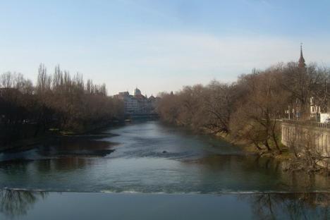 Trei sferturi din apele Bihorului, vulnerabile la poluarea cu nitraţi