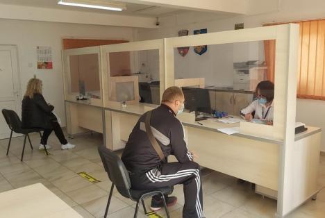 Majoritatea instituţiilor şi a furnizorilor de servicii şi-au reluat programul cu publicul (FOTO)