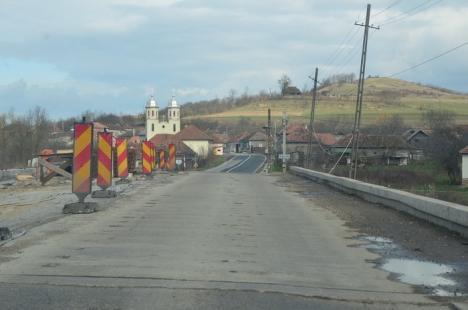 Lucrările de modernizare a DN 76 Oradea – Deva, îngheţate între Dealul Bitiilor şi Lunca din cauza... birocraţiei